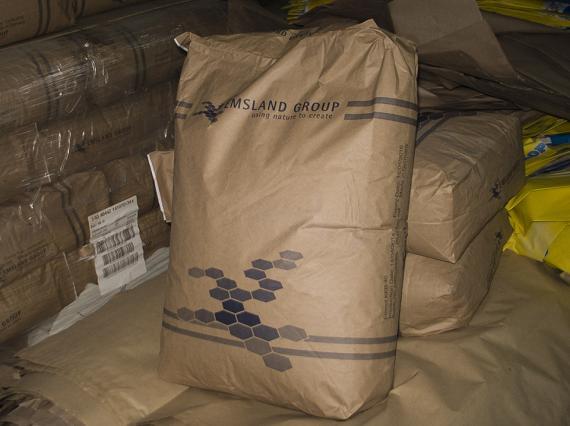 Универсальные клеи EMCOL KKB 40 для производства многослойных бумажных мешков и пакетов.