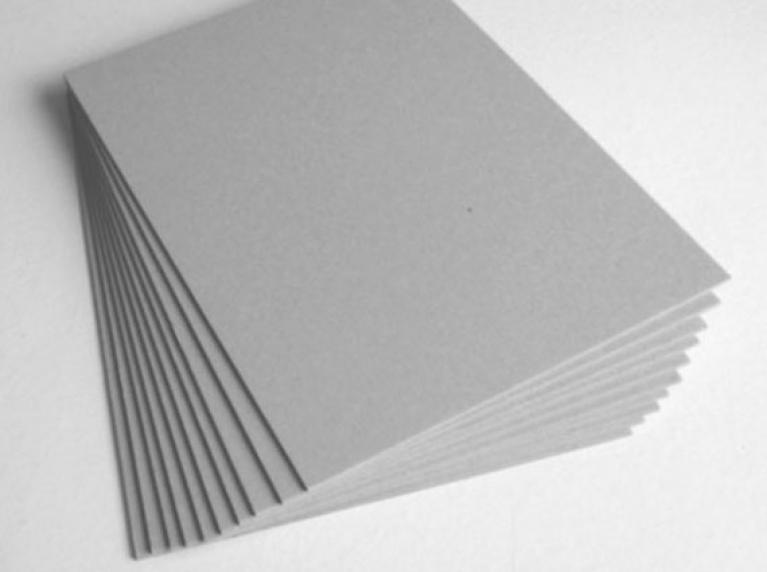 Макулатурный картон в листах и рулонах. Мелованный картон.